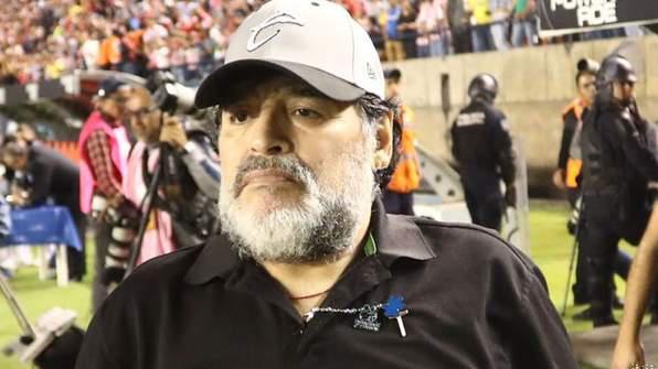 Maradona Returns to Coach Argentinian Side Gimnasia