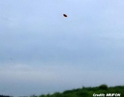 UFO Photograph Taken in Oakville, Missouri, One of The Best, says MUFON 6-8-2014