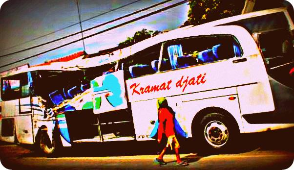 Bus Kramat Jati Hantam Truk Tangki, Lima Tewas
