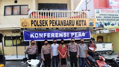 Setelah mencuri sepeda motor, pelaku diamankan Polisi.