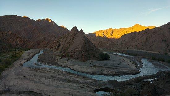 Gran Piramide de la Quebrada de Troya - Argentina