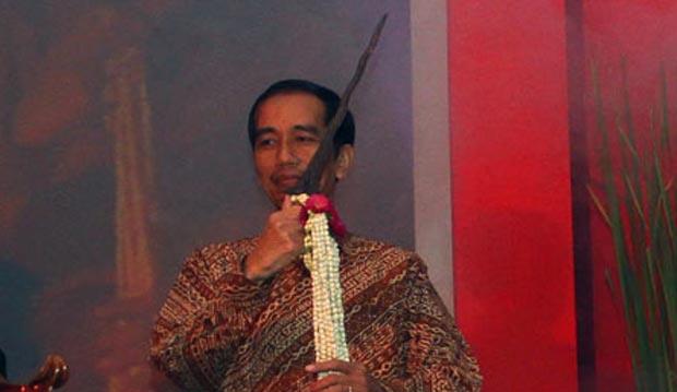 Keris di Belakang, Perumpamaan Ngabalin tentang Jokowi