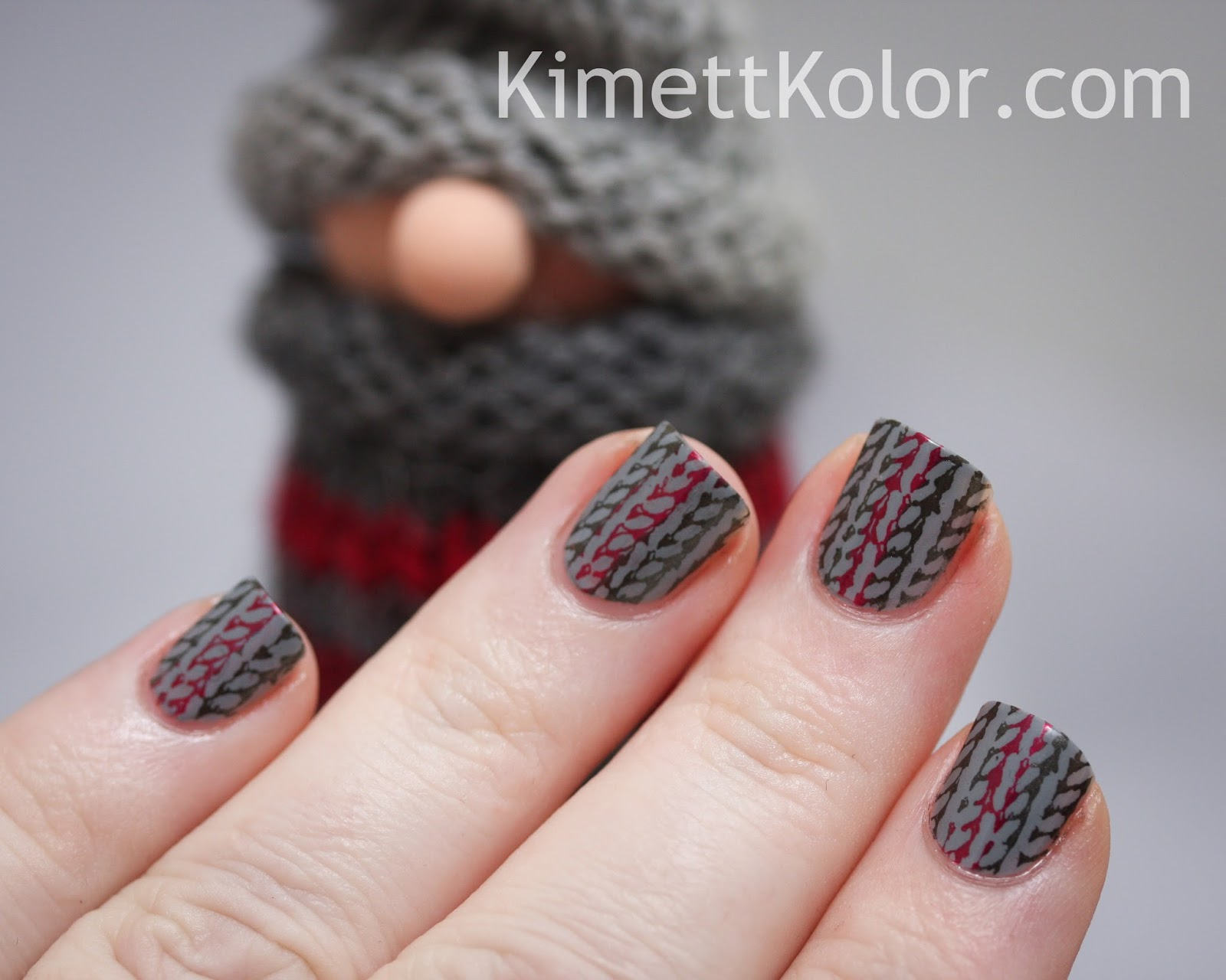 sweater pattern knitted gnome nail art
