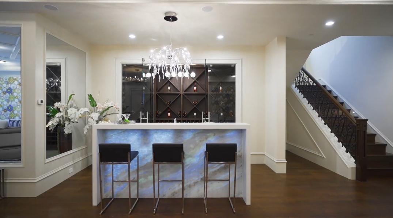 59 Photos vs. Tour 3881 W 39th Ave, Vancouver, BC Luxury Home Interior Design