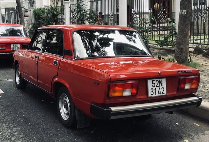 Lada 2105 - 'Xe lãnh đạo' thập niên 80 tại Việt Nam