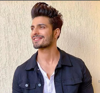 Vin Rana Or Purab Wiki, Age, Salary, Net Worth, Family, Favourite, Social Media, Education, Hobbies, Biography, Facts & Many More