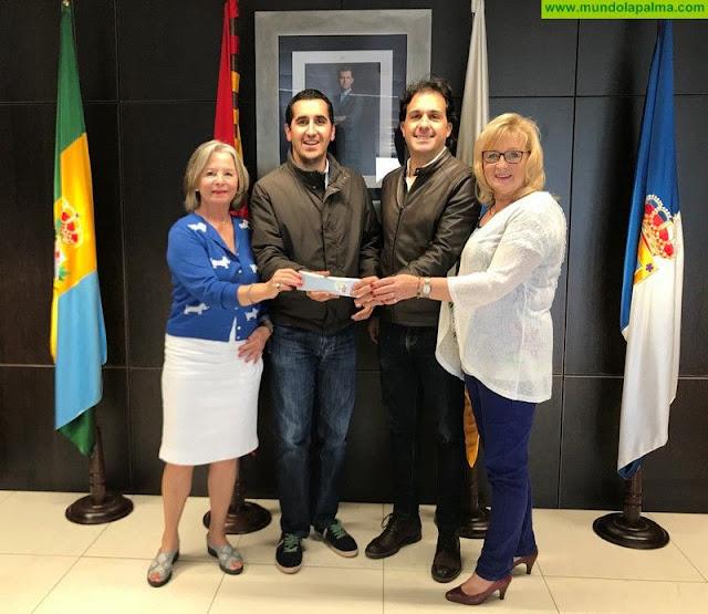 El Ayuntamiento de Breña Baja recibe una donación de 1140 euros del III Mercado Alemán de Navidad