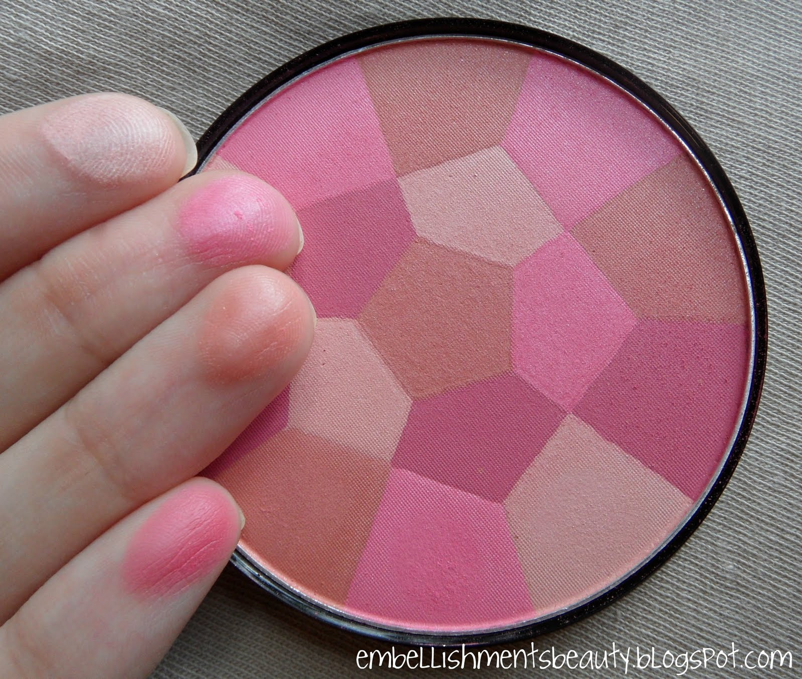 9 NYC Color Wheel Mosaic Face Powder 723A Pink Cheek Glow