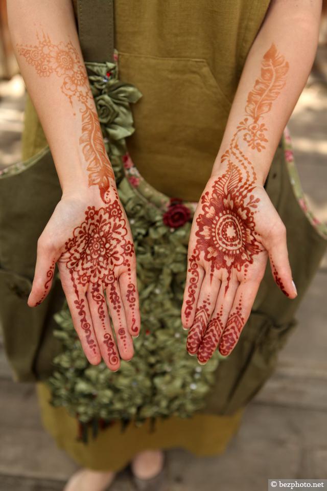 роспись рук мехенди