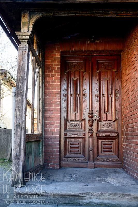 Głubczyce: ozdobne drzwi