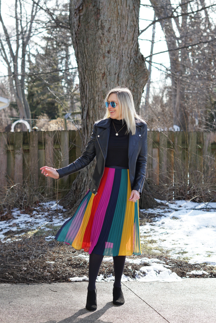 style-blogger-wearing-JCrew-rainbow-pleated-midi-skirt-nanoinfluencer