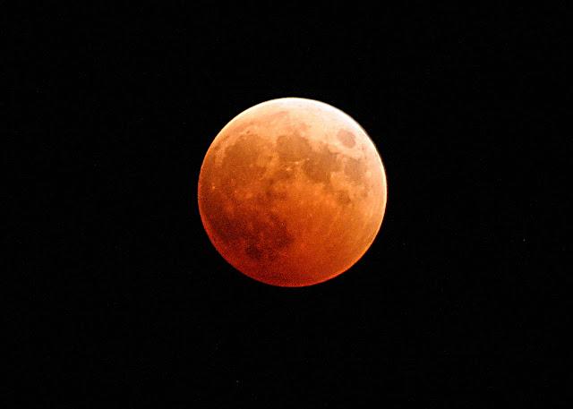 Arti dan Pertanda Mimpi Melihat Bulan