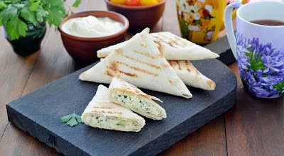 Lavash envelopes with cottage cheese