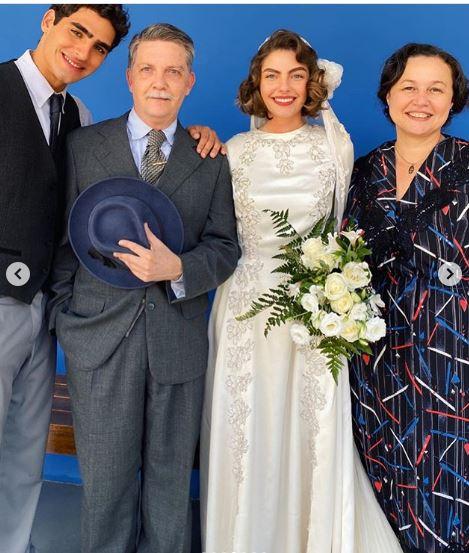 familia dona genu em eramos seis no casamento da lili