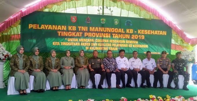 Danrem 091/Asn Buka Bhakti Sosial TNI KB KES