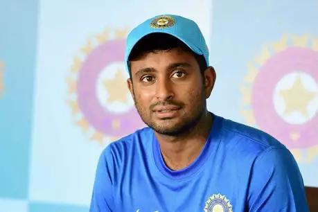 अंबाती रायडू पर ICC का प्रतिबंध, अंतरराष्ट्रीय क्रिकेट में नहीं कर सकेंगे गेंदबाजी