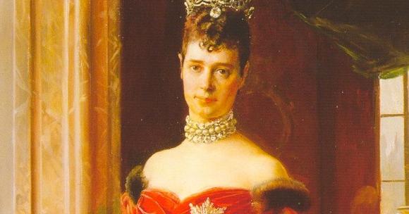 The Daily Diadem: Marie Feodorovna's Diamond Wave Tiara