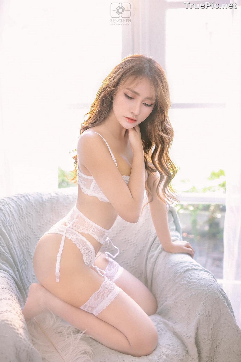 Image Vietnamese Model - Nguyen Thi Phi Yen - Beautiful Sexy White Lingerie - TruePic.net - Picture-25