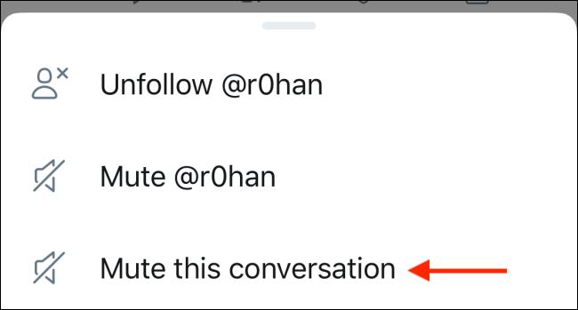 """لتجاهل التغريدات ، انقر على """"تجاهل هذه المحادثة""""."""