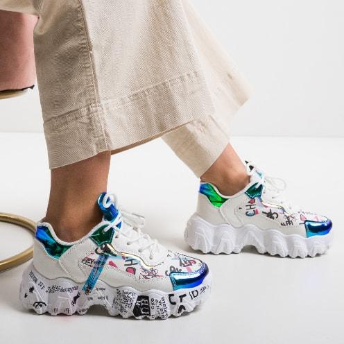 Adidasi cu talpa groasa si imprimeu multicolor moderni