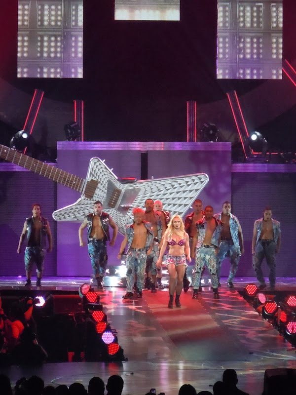 Britney Spears guitar Femme Fatale show