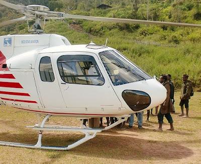 Helikopter Jatuh di Timika, Pilot dan Krunya Berhasil Dievakuasi