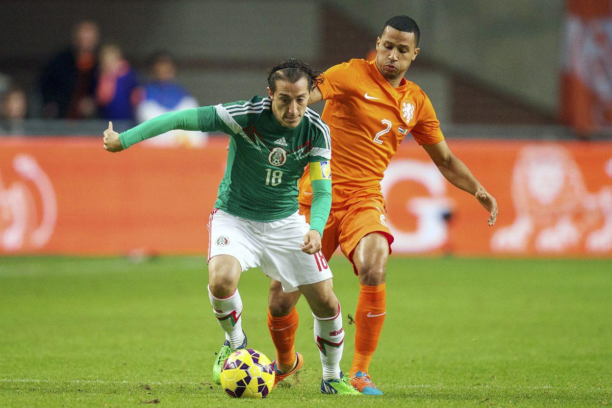 بث مباشر مباراة هولندا والمكسيك