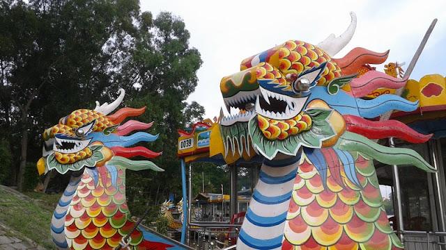 Barcos Dragón del río Perfume en Hué