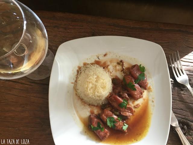 receta-asturiana-con-salsa-de-cebolla-y-vino