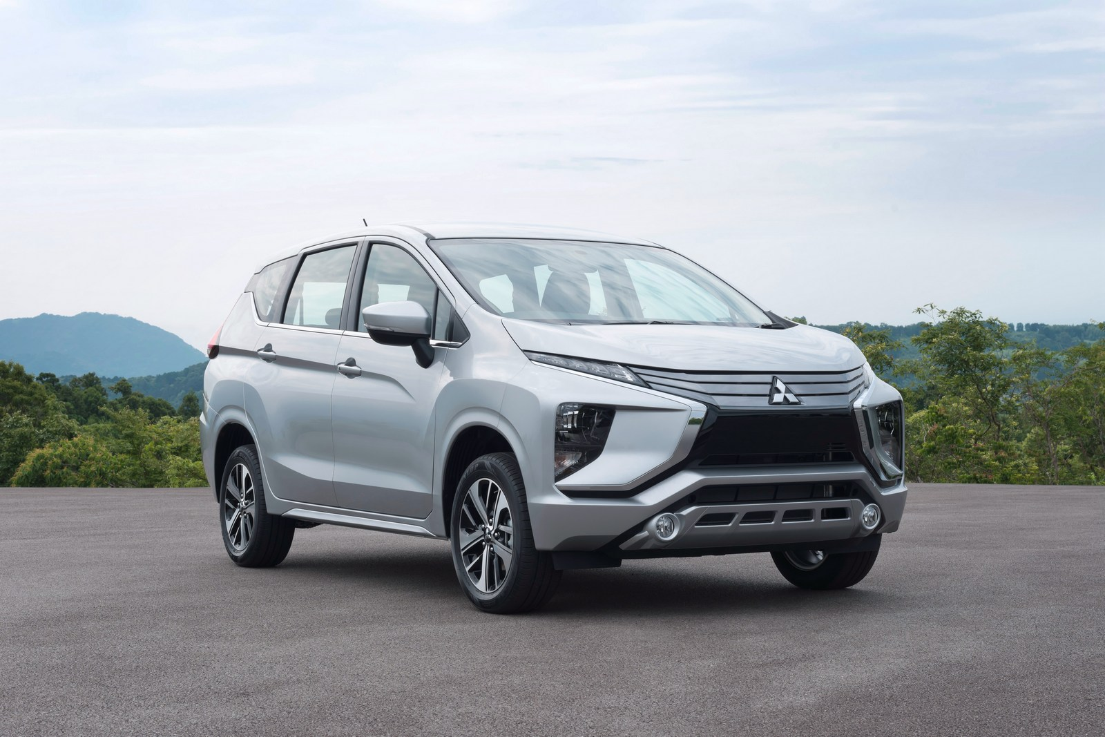 2019 Mitsubishi Montero Design, Price >> All-New Mitsubishi Xpander Debuts In Indonesia | Carscoops
