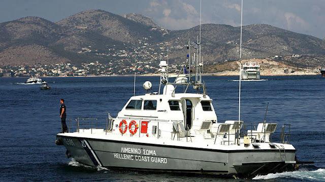 Επιχείρηση του λιμενικού και ιδιωτών για σκάφος στον Πόρο με δυο επιβαίνοντες