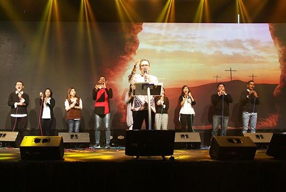 Contoh kata kata Worship Leader (WL) saat memimpin Pujian dan Penyembahan