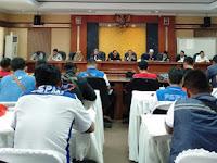 Aksi Buruh Purwakarta Tolak Revisi UU Nomor 13/2003 Dterima DPRD