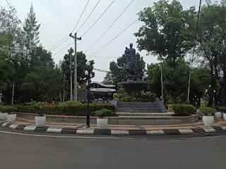 rindangnya taman indonesia kaya