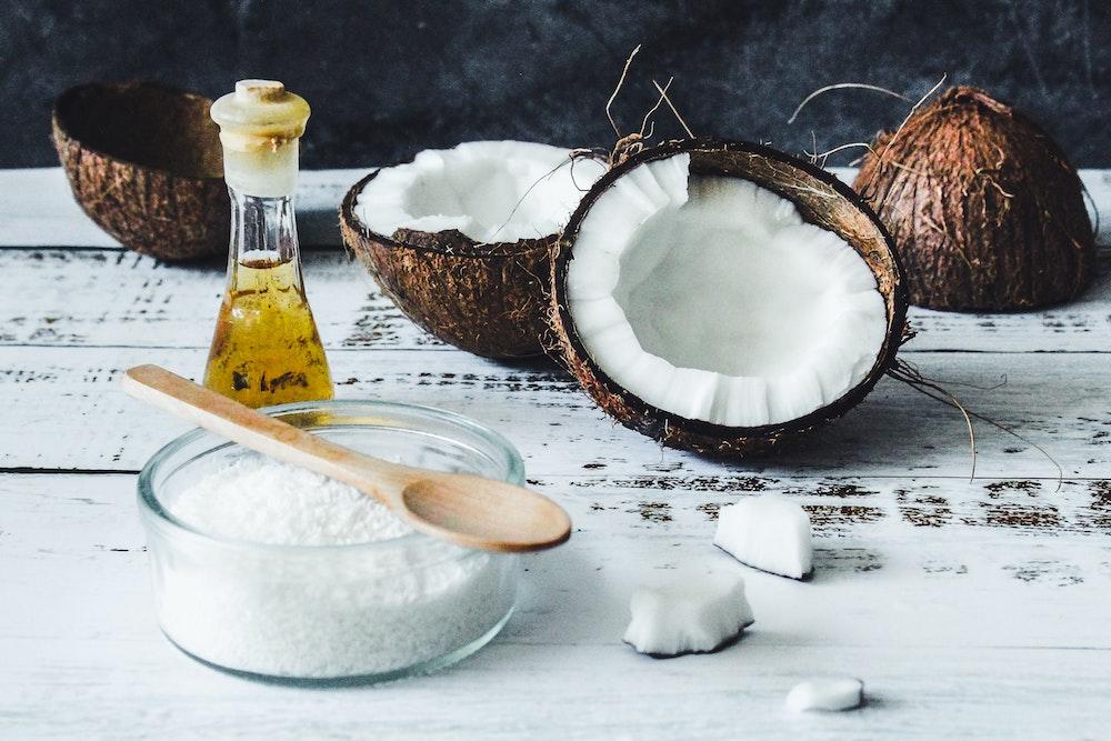 Ingredientes para hacer aceite de coco en casa