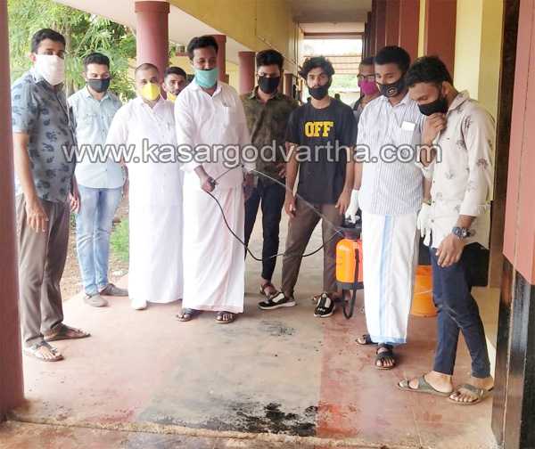 Kerala, News, MSF workers clean the school with disinfectant