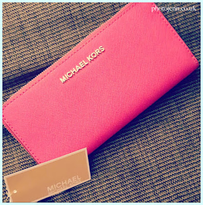 michael-kors-jet-set-wallet-purse-hot-pink