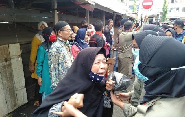 Penertiban Pasar Jambi Pakai SENSO !!! Banyak Pedagang Jatuh Pingsan