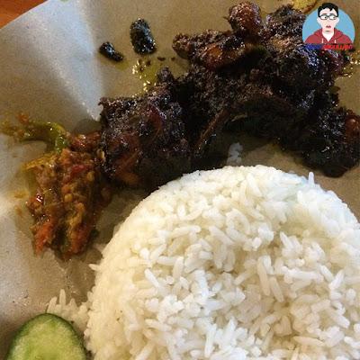 Pedas Tak Terhingga Makan Sambal Di  Nasi 3 Budak Gemok