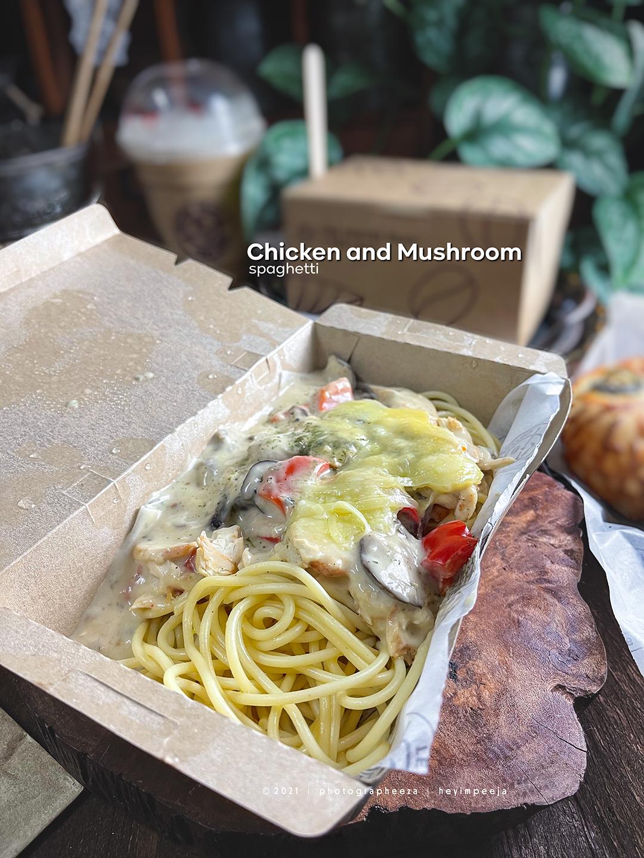 Coffee Bean Chicken and mushroom spaghetti