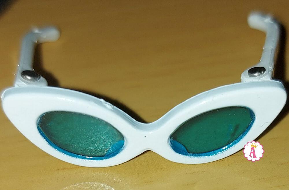 Очки в белой оправе для Барби 75-летие