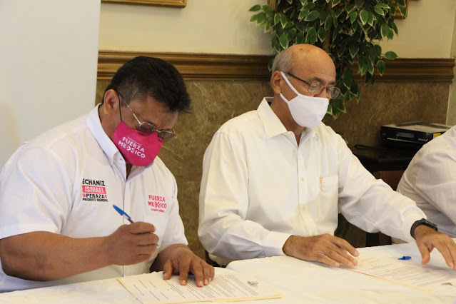 Firma Echaniz compromisos con la Coordinadora Ciudadana de Yucatán
