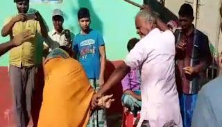 कटिहार में भाजपा नेता संग महिला को आपत्तिजनक हालत में देख लोगों ने दोनों को जमकर पीटा