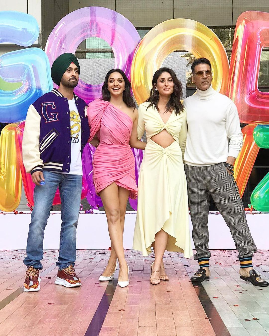 kiara advani with diljit dosanjh, Kareena Kapoor, akshay kumar
