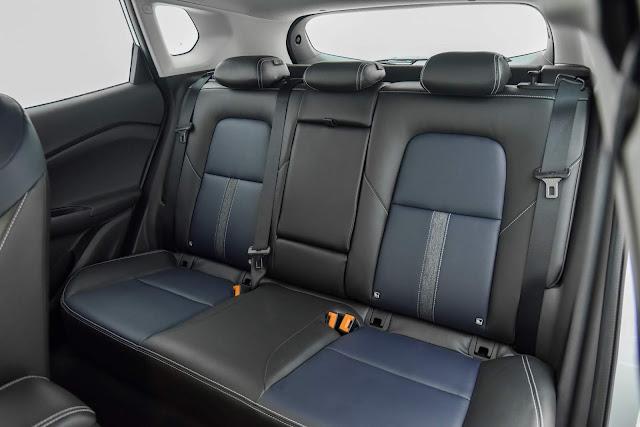 Novo Chevrolet Tracker 2021 - interior - espaço traseiro