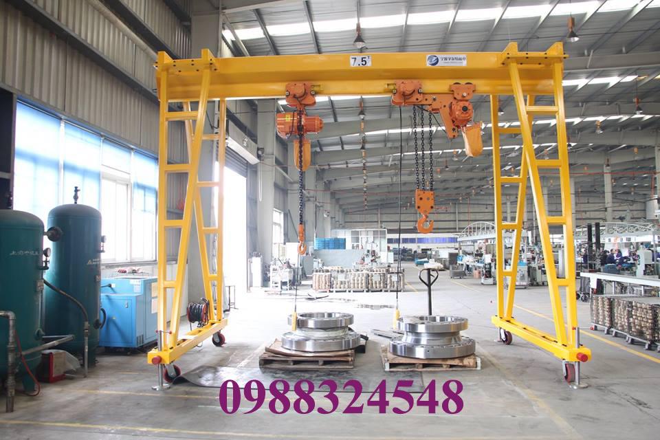 Cổng trục đẩy tay mini 7 tấn