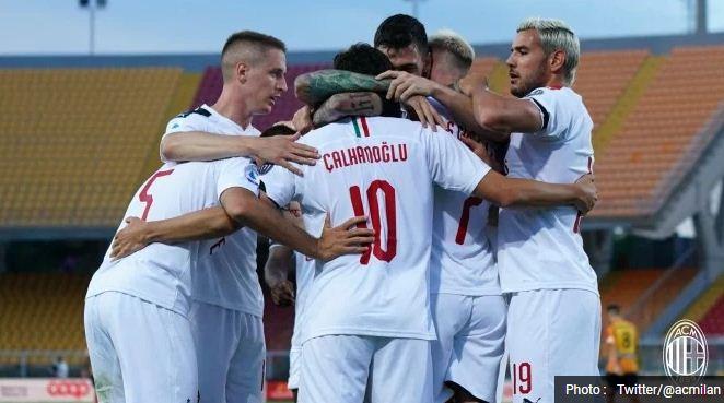 Highlights AC Milan Hancurkan Lazio 3–0