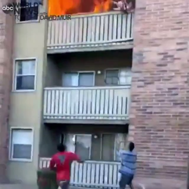 Brave moments: A man ran to catch a baby thrown from a third-floor apartment