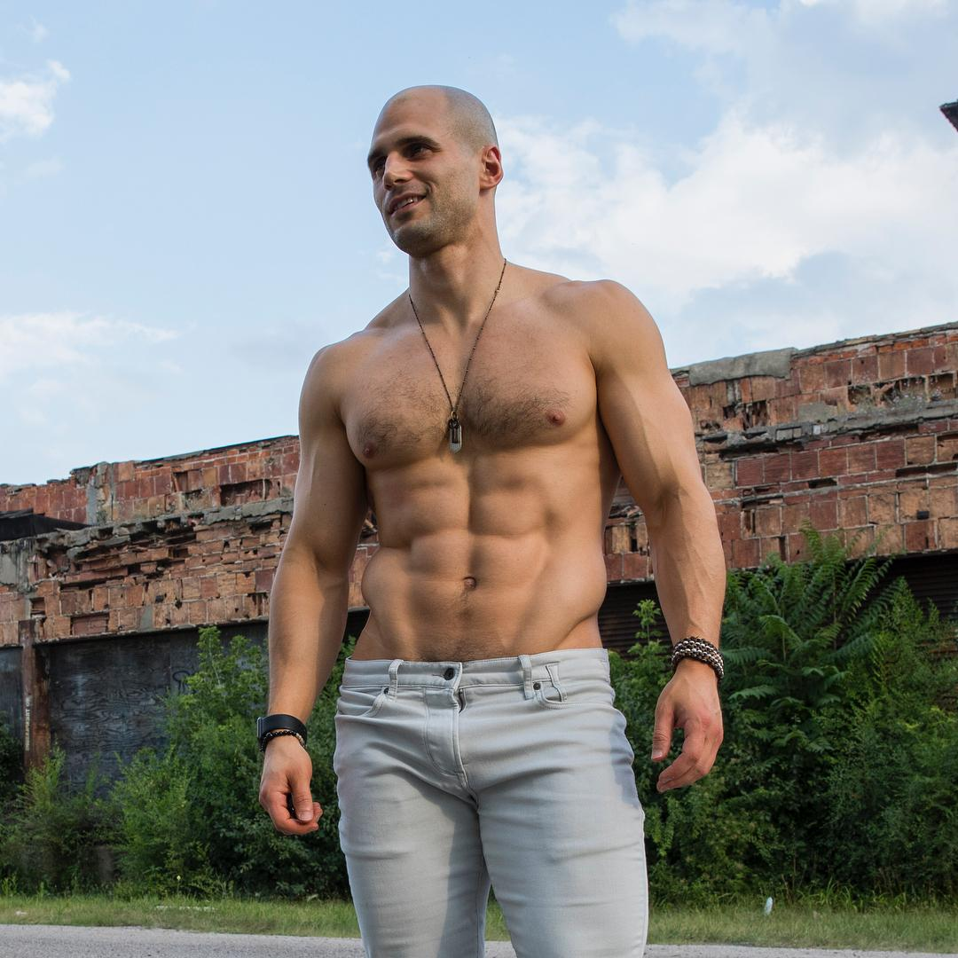 hot-daddy-shirtless-young-todd-sanfield-pictures