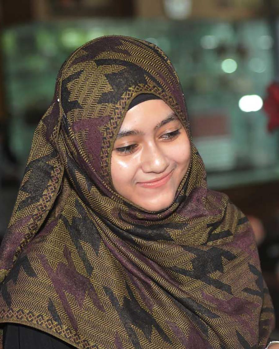 Istri Simpanan ke tiga Sugar Baby Hijaber Darin Mumtazah